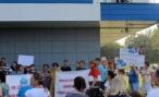 В Волгограде чиновники столкнули лбами родителей гимназистов и дошколят
