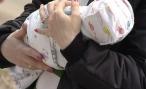 В Волгоградской области к подъезду дома подбросили новорожденную девочку