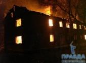 На севере Волгограда сгорел и обрушился многоквартирный дом