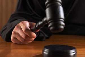 Суд Дзержинского района Волгограда постановил транспортной компании выплатить 4-летнему мальчику 160 тысяч рублей